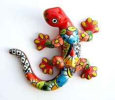 Good idea for PC. Diy And Crafts, Arts And Crafts, Mexican Ceramics, Pottery Animals, Talavera Pottery, Paint Your Own Pottery, Desert Art, Metal Garden Art, Turtle Painting
