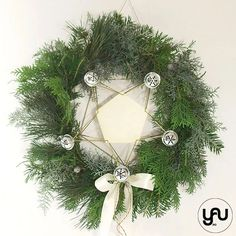 Coronita CRACIUN verde cu zurgalai - C105 – YaU concept Christmas Wreaths, Christmas Decorations, Holiday Decor, Modern Christmas, Pentagon, Concept, Ornaments, Design, Corona