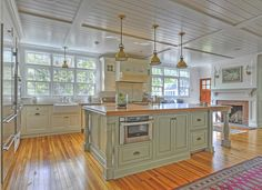 Traditional cabinetry that aims to please | Plain & Fancy Custom Cabinetry