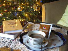 Egy jó könyv és egy jó kávé. Merülj el bennük! www.mokka.dxn.hu Coffee And Books, Mocha, Tableware, Kitchen, Dinnerware, Cooking, Tablewares, Kitchens, Dishes