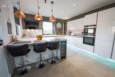 Design Inspiration, Kitchen Inspiration, Kitchen Design, Modern, Table, Studio, Furniture, Home Decor, Houses