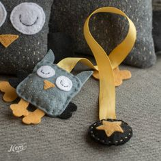 Marque-pages hibou en ruban et feutrine ouaté gris et jaune : Marque-pages par nemshop