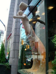 Cool Window Display For Spiderman 3 by TravelPod Member Bonnie.len ... click to…