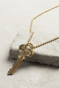 Classic Necklace The Giving Key