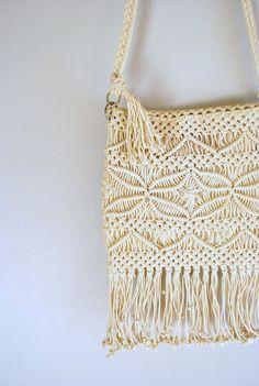 60s macrame bag // off white fringe macrame // di onefortynine