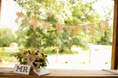 just-married-burlap-banner