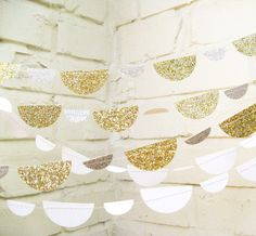 The Petite Glam Scallop Garland Wedding Garland by LePetiteFest. , via Etsy. Sparkle Party, Glitter Party, Glitter Wedding, Gold Wedding, Diy Wedding, Dream Wedding, Silver Glitter, Metallic Gold, Wedding Photos