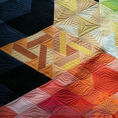 Gravity quilt by Angie, pattern by Jaybird Quitls,  custom machine quilting by Natalia Bonner