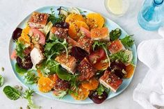 Pork belly, crispy crackling, green leaves and citrus flavours prove that salads can be enjoyed all year round. Chicken Fennel, Apricot Chicken, Salad Recipes, Healthy Recipes, Milk Recipes, Baking Recipes, 500 Calorie Meals, Midweek Meals, Weeknight Dinners