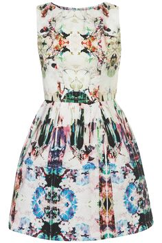 CamoPrintLanternDress | TopShop x  I love this so much I can not wait till I am able to just buy up all this stuff!!!!