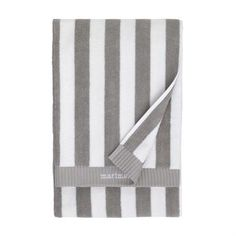 The Nimikko and Ujo striped towels in grey from Marimekko have become real classics. The Nimikko bath towel is designed by mother and daughter Isola and can be found in countless bathrooms. Ujo handtowel and Ujo guesttowel, designed by Fujiwo Ishimoto 1982, is perfect as a soft and comfy gift!