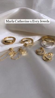 Dainty Jewelry, Resin Jewelry, Silver Jewelry, Fine Jewelry, Silver Rings, Jewelry Kits, Jewelry Ideas, Jewelry Accessories, Photo Jewelry