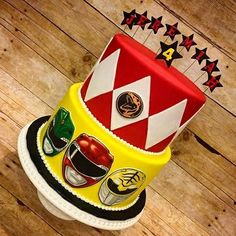 Use the top half of the cake Gateau Power Rangers, Bolo Power Rangers, Power Rangers Birthday Cake, Power Ranger Cake, Power Rangers Ninja Steel, Pawer Rangers, Power Ranger Party, 5th Birthday Party Ideas, Fourth Birthday