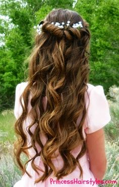 Aurora hair tutorial inspired by Disney's Maleficent. Beautiful tie back twist hairstyle with flowers. Disney Hairstyles, Disney Princess Hairstyles, Twist Hairstyles, One Hair, Hair Dos, Curl Styles, Long Hair Styles, Aurora Hair, Super Cute Hairstyles