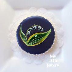 #cookies #cookiedecoratingclass #paintedcookies #cookieart #onestroke #mylittlebakery #floralcookie #lilyofthevalley #maylily