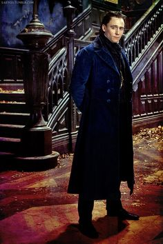 Thanks to Larygo on Tumblr - as Sir Thomas Sharpe in 'Crimson Peak' (2015) directed by Guillermo del Toro