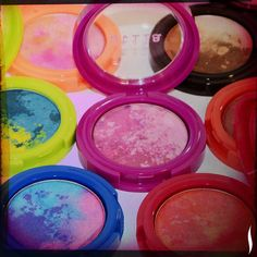 Tie-dye time: Go wild with Stila's NEW Countless Color Pigments unique shadows. How do you explore your creative side?