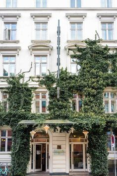 The ivy-covered exterior at Axel Guldsmeden in Copenhagen | 8 things you cannot miss in Copenhagen, including an amusement park, a delicious brunch spot, and more!