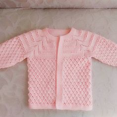 Baby Vest Models More than 40 best examples - Babykleidung Baby Knitting Patterns, Baby Sweater Knitting Pattern, Free Baby Blanket Patterns, Crochet Vest Pattern, Knitting For Kids, Baby Patterns, Knitted Baby Blankets, Baby Blanket Crochet, Baby Girl Sweaters