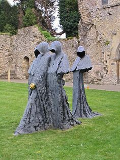 Not strictly a cemetery, but still cool. Beaulieu Abbey, Hampshire, England, UK - Sculpture of hooded monks Art Sculpture, Garden Sculpture, Hampshire England, England Uk, Cemetery Art, Places Around The World, Illustration, Abandoned, Sculpting