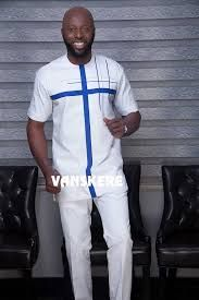 Just in time for the festive season, fashion label Vanskere has released its latest collection titled Classic. The new collection stays true African Wear Styles For Men, Ankara Styles For Men, African Dresses Men, African Attire For Men, African Clothing For Men, African Shirts, Nigerian Men Fashion, African Men Fashion, Afro Men