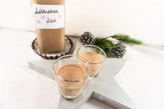 Der Lebkuchen-Likör schmeckt nach Weihnachten und ist das perfekte Geschenk für Weihnachten, Nikolaus oder sonstige Anlässe in der Weihnachtszeit.