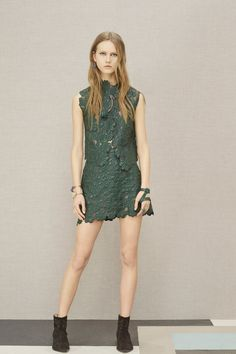 Elie Saab   Pre-Fall 2016   14 Green sleeveless top and mini skirt