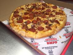 Bacon and Pepperoni together, at last! #BMPPGlendale  https://ordernow.bigmamaspizza.com/locations/glendale/