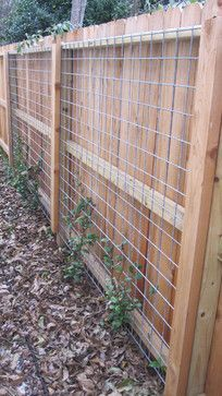 17 Awesome Hog Wire Fence Design Ideas For Your Backyard Do you have a strategy. - 17 Awesome Hog Wire Fence Design Ideas For Your Backyard Do you have a strategy to restore your ho - Privacy Fence Landscaping, Backyard Fences, Backyard Landscaping, Landscaping Ideas, Patio Fence, Farmhouse Landscaping, Rustic Backyard, Backyard Privacy, Privacy Fences