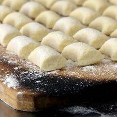 Diese italienischen Teigkissen lassen sich im Nu ganz ohne Kartoffeln zubereiten und zergehen trotzdem auf der Zunge.