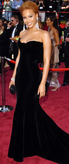 Beyonce in Atelier Versace, 2005, photo by SGranitz/WireImage