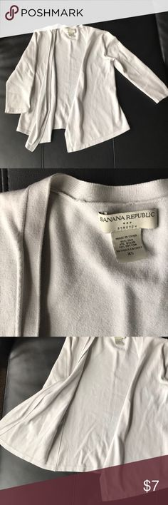 Banana Republic sweater Open front, slightly worn-super cute! Light blue color Banana Republic Sweaters Cardigans