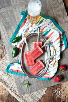 Pin for Later: 20 Paleta Recipes That'll Satisfy Your Sweet Tooth Strawberry Jalapeño Beer Popsicles Get the recipe: Strawberry Jalapeño Beer Popsicles