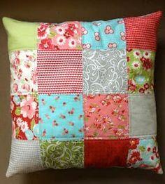 APRENDE COMO HACER COJINES DECORATIVOS PARA TU HOGAR Sewing Pillows, Diy Pillows, Custom Pillows, Decorative Pillows, Throw Pillows, Patchwork Cushion, Patchwork Bags, Quilted Pillow, Bed Cover Design