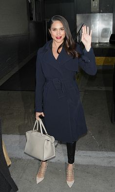 Meghan was snapped leaving the AOL building in New York City in 2016, wearing a navy blue coat and a ghost white bag, by high end designer Celine. The sleek design is structured and eye-catching, yet not too snazzy that it would clash. In short, the perfect holdall for both casual and dressed up attire. It retailed at over $2,539 at the time of release. Photo: © Getty Images