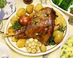 Leg of lamb cuts can be used in many recipes. Some cuts are better suited to certain recipes. Seasoned with salt, cracked pepper, and lots of fresh garlic Easy Delicious Recipes, Yummy Food, Lamb Cuts, Cracked Pepper, Fresh Garlic, Food Crafts, Tandoori Chicken, Carne, Food And Drink