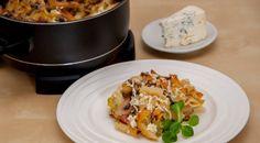 Baked pasta with mushrooms and cheese in Remoska Mushroom Pasta, Cooking Equipment, Pasta Bake, Slow Cooker, Stuffed Mushrooms, Vegetarian, Cheese, Baking, Recipes