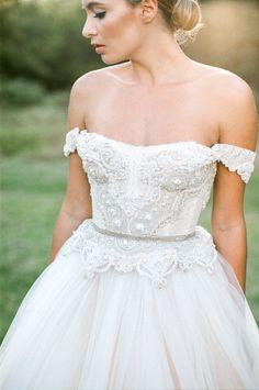 robe de mariée magnifique 180 et plus encore sur www.robe2mariage.eu