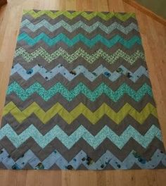 """crazy mom quilts: how to make a zig zag quilt (without piecing triangles!)    approximately 46"""" x 61"""""""