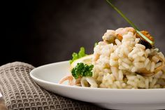Grab some Clams, Mussels, Calamari, & Scallops to try out this Seafood Risotto (Risotto Ai Frutti Di Mare). Frutti Di Mare Recipe, Seafood Risotto, Healthiest Seafood, Risotto Recipes, Fish And Seafood, Quick Easy Meals, Seafood Recipes, Italian Recipes, Macaroni And Cheese