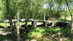 Pont mégalithique au hameau du Prieuré Lablachère Ardèche France