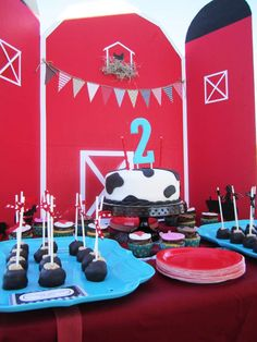 {Modern} Farm Birthday Party | CatchMyParty.com