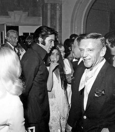 Las Vegas 1969, hq - Elvis and Priscilla - Fred Astaire in foreground