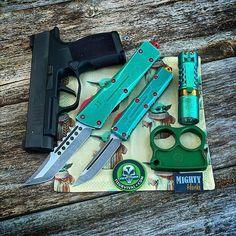 Edc Everyday Carry, Knife Handles, Bounty Hunter, Folding Knives, Bullets, Wednesday, Weapons, How Are You Feeling, How To Apply