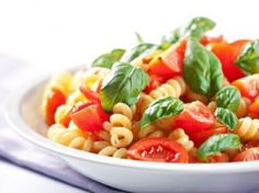 Makarony pełnoziarniste to podstawa zdrowego żywienia. Warto je zastąpić produktami pszennymi.