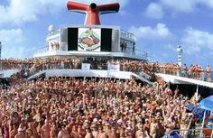 We join 3,000 people on The Big Nude Boat cruise by Bare Necessities.