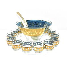 Such great color, a classy Culver MCM punch bowl set for your next event. Sure to stand out at a wedding.