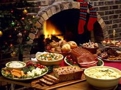 Christmas dinner on Christmas Eve so more time can be spent with presents on Christmas Day and feast on yummy leftovers. Irish Christmas, Christmas Eve Dinner, Christmas Party Food, Christmas Dishes, Xmas Food, Christmas Holidays, Merry Christmas, Christmas Dinner Pictures, Christmas Decorations