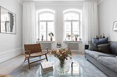 Let The Sunshine In - Iťs Springtime // Roslagsgatan - maallure Interior Design Living Room, Living Room Designs, Living Room Decor, Living Rooms, Luxury Interior, Interior Architecture, Elegant Living Room, Home Decor Styles, Scandinavian