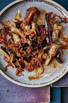 If you are an aubergine fan, then this dish is sure to become your next favourite thing. The fried aubergine picks up on the aniseed notes of the fennel and the sour kick from the tamarind. The whole combination is just heavenly.